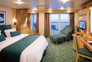 FR, Freedom of the Seas, Freedom class, Junior Suite with Balcony, cabin, outside oceanview or ocean view, View of balcony with 2 deck chairs, new bedding, Cat JS